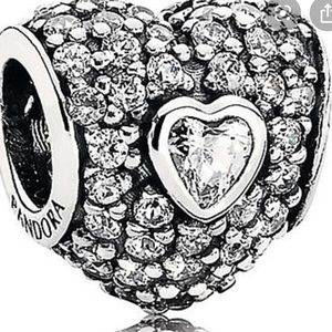 Pandora heart cz charm